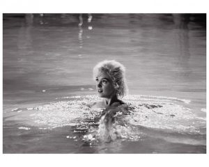roll 2 frame 2 by lawrence schiller